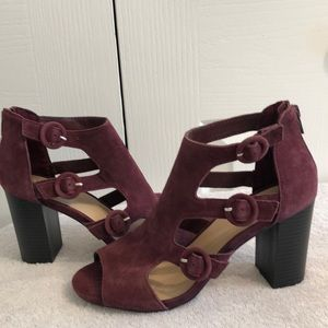 NWOT GAP burgundy size 7.5 open toe shoes
